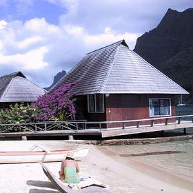 Club Bali Hai Moorea - over water bungalows