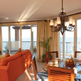 Villa del Arco Beach Resort & Spa — Living/dining area