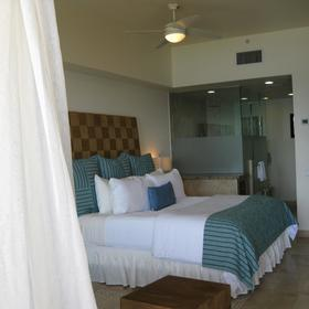 Cabo Villas Beach Resort & Spa — Bedroom