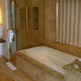 Cabo Villas Beach Resort & Spa — Bathroom