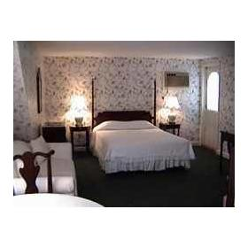 Bedroom at Newport Inntowne