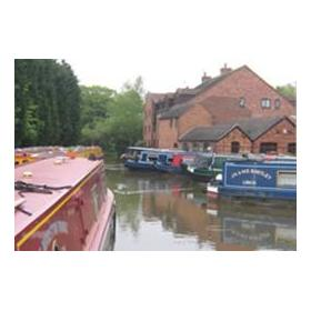 Canal Boat Club At Worcester Marina