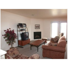 Club Vacances Magog - Unit Living Area