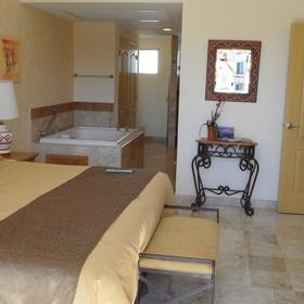 Villa del Arco Beach Resort & Spa — Unit master bedroom