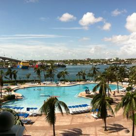Harborside Resort at Atlantis Pool