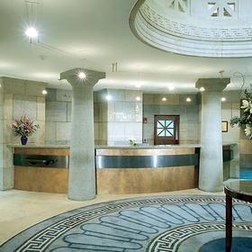 Marriott's Custom House — Lobby