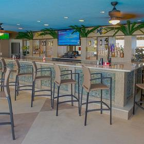 Beach Quarters Resort — Bar