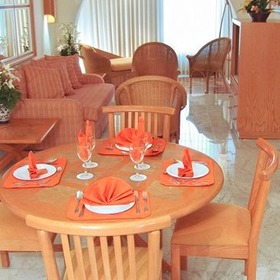 Sunset Marina Resort & Yacht Club Dining and Living Area