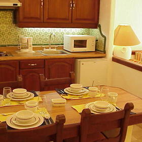 Krystal International Vacation Club — - Kitchen