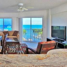 Ocean Pointe Suites at Key Largo Living Area