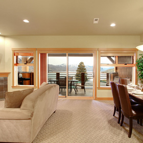 WorldMark Chelan –- Lake House — Living and Dining Area