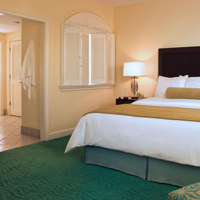 Harborside Resort at Atlantis — Bedroom