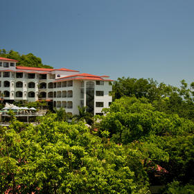 Parador Resort & Spa Exterior