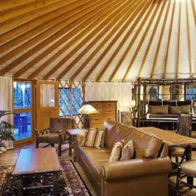 Bluegreen Shenandoah Crossing Yurt Living Area