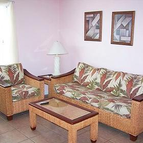 Paradise Isle Resort — Living Area