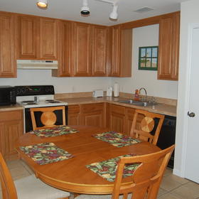Southern Shores Beach Resort Kitchen and Dining