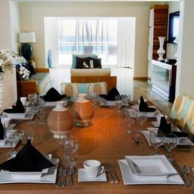Presidential Suites by Lifestyle Holidays Vacation Resort — Dining Area
