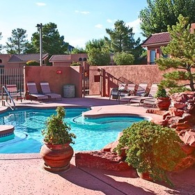 Sedona Pines Resort — Pool Area