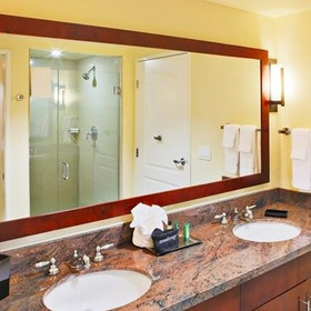 Hilton Grand Vacations Club (HGVC) at MarBrisa Bathroom