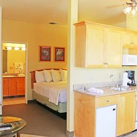 Cimarron Golf Resort Bedroom and Kitchen