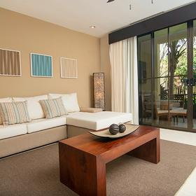 Breeze Private Residences Club — Living Room