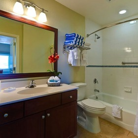 Wyndham Oceanside Pier Resort Bathroom