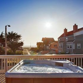 Channel Island Shores Hot Tub