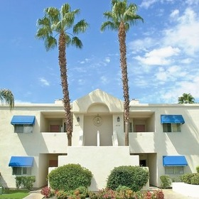 4 Seasons at Desert Breezes Resort Exterior