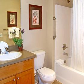 GEVC at Lighthouse Pointe — Bathroom