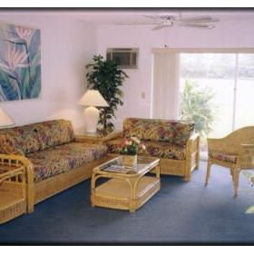 Lakeview Manor Club — - Unit Living Area