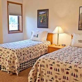 Swan Mountain Resort Bedroom