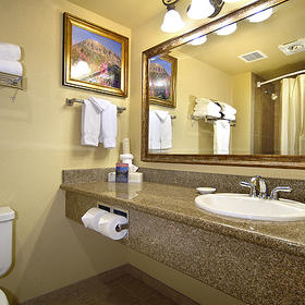 Grand Lodge Crested Butte — Bathroom