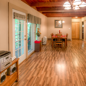 Club Chalet of Gatlinburg - 1B Living and Dining Area
