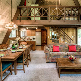 Club Chalet of Gatlinburg - 4A Living and Dining Area