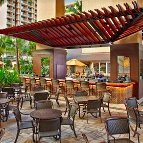 Hilton Grand Vacations Club (HGVC) at Hilton Hawaiian Village Bar