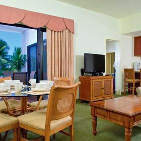 Wyndham Royal Sea Cliff Living and Dining Area