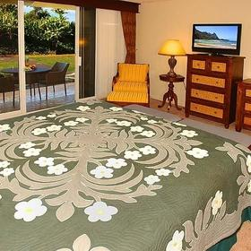 The Cliffs at Princeville Bedroom