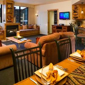 Grand Summit Hotel Living Area