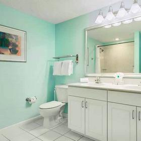 Wyndham Ocean Walk Bathroom