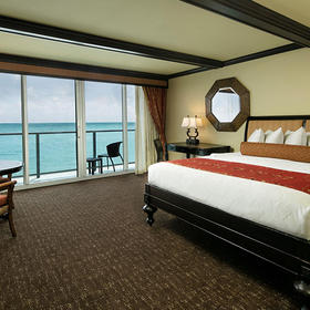 Jupiter Beach Resort & Spa Bedroom