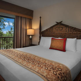 Disney's Animal Kingdom Villas - Jambo House Bedroom
