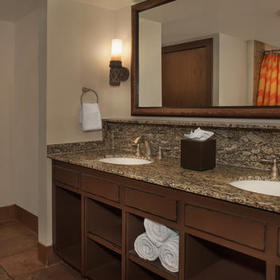 Disney's Animal Kingdom Villas - Jambo House Bathroom