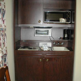 Wyndham Kingsgate - unit kitchenette
