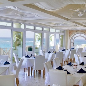 Crane Beach Resort — L'Azure restaurant on-site