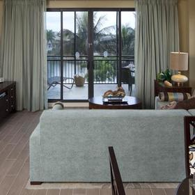 Holiday Inn Club Vacations Marco Island - Sunset Cove Resort — Living Area
