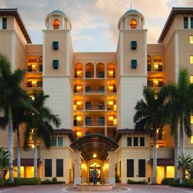 Holiday Inn Club Vacations Marco Island - Sunset Cove Resort — Exterior