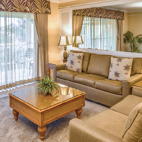Charter Club Resort of Naples Bay Living Area