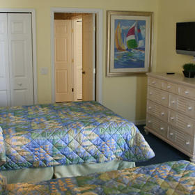 The Cove on Ormond Beach - South Tower Bedroom