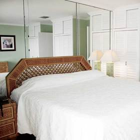 Palm Beach Waterfront Suites Bedroom