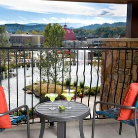 Margaritaville Island Hotel Pigeon Forge — Balcony